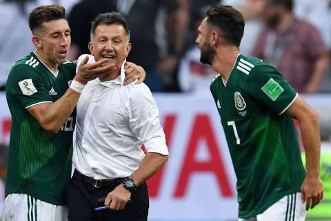 Sempre imprevisível, 'Profe Osorio' ainda busca confiança de mexicanos