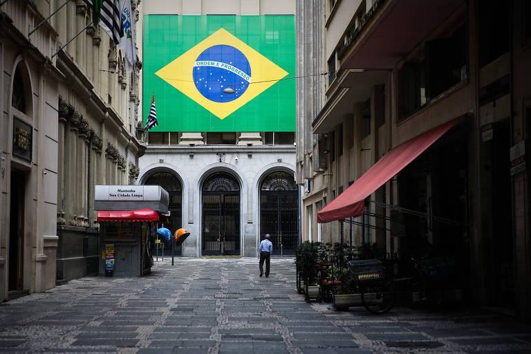 Feriado na sexta de Copa não vinga em São Paulo
