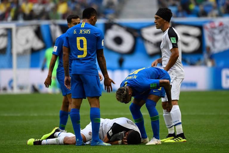 Nervosismo de Neymar durante jogo contra Costa Rica