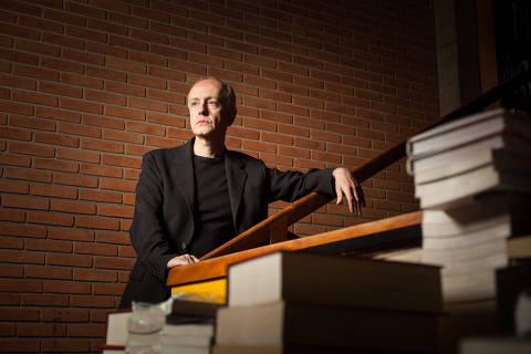 SAO PAULO, SP, BRASIL, 05-06-2018:  Retrato do historiador italiano Daniele Giglioli, que lança o livro