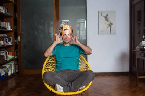 Rio de Janeiro, Rj, BRASIL. 07/06/2018;  Retrato do ator Henrique Dias em sua residencia no Rio ( Foto: Ricardo Borges/Folhapress)