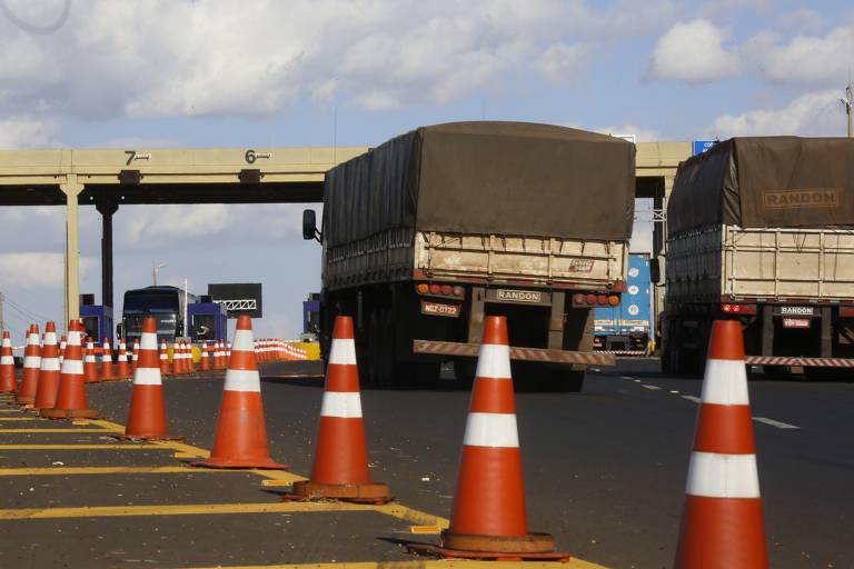 Câmara aprova medida que isenta eixos suspensos de caminhões de pedágio