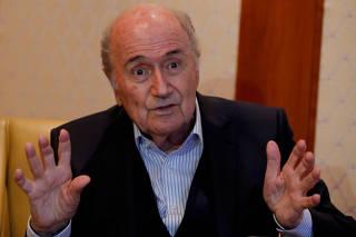Ex-presidente da Fifa é investigado por repasse milionário a federação