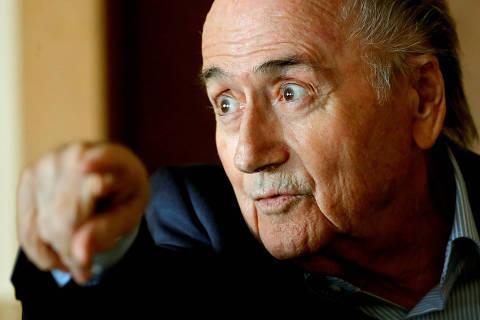 Joseph Blatter ri e diz que Palmeiras é campeão mundial