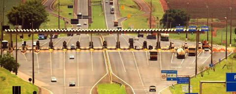 SAO SIMAO, SP, BRASIL, 25-02-2014: Pedágio na rodovia Anhanguera em São Simão. ( Foto: Edson Silva/Folhapress) ***REGIONAIS***EXCLUSIVO***
