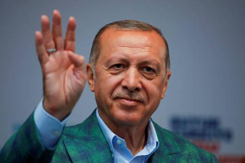 Turkish President Tayyip Erdogan reacts during an election rally in Istanbul, Turkey, June 23, 2018. REUTERS/Alkis Konstantinidis ORG XMIT: ZUZ316