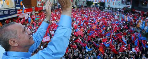 This handout photograph taken and released by The Turkish Presidential Press Service on June 22, 2018, shows President of Turkey and the leader of the Justice and Development Party (AK Party) Recep Tayyip Erdogan as he speaks during a rally in the Gaziosmanpasa district of Istanbul on June 22, 2018. 