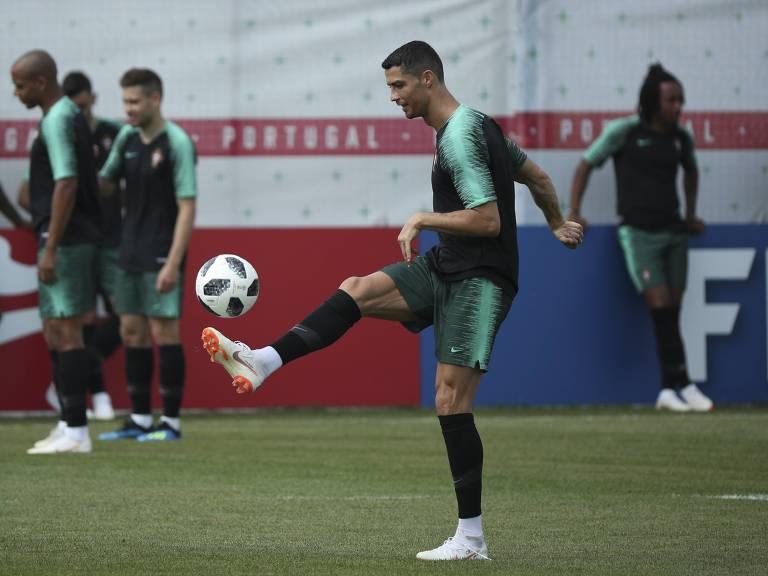 Portugal treina antes de jogo contra o Irã na Copa