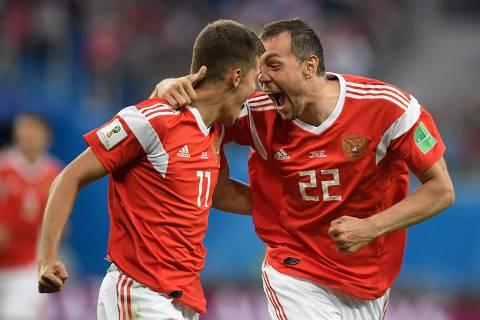 Rússia joga por melhor campanha da história de um anfitrião na 1ª fase