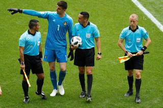 Média de altura sobe na Copa; conheça anões e gigantes entre as seleções