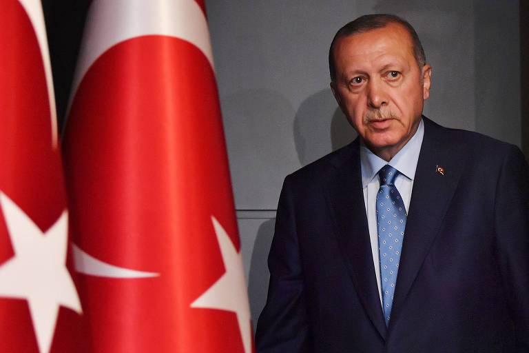 Turquia aprova lei que aumenta controle de redes sociais por autoridades
