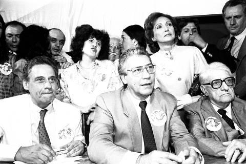ORG XMIT: 535001_0.tif Fernando Henrique Cardoso, Mário Covas e Afonso Arinos na cerimônia de lançamento do PSDB (Partido da Social Democracia do Brasil). (Brasília, DF, 24.06.1988.  Foto de Luciano Andrade/Folhapress)