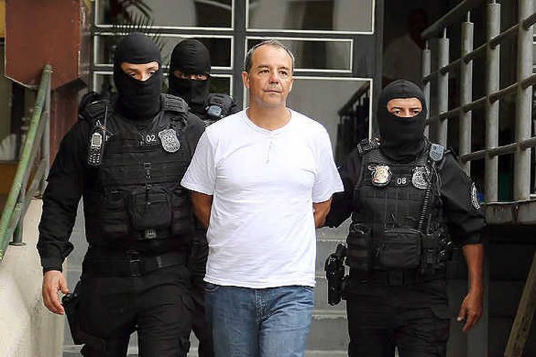 Ex-governador do Rio de Janeiro Sérgio Cabral é levado à carceragem da PF em Curitiba em 2016