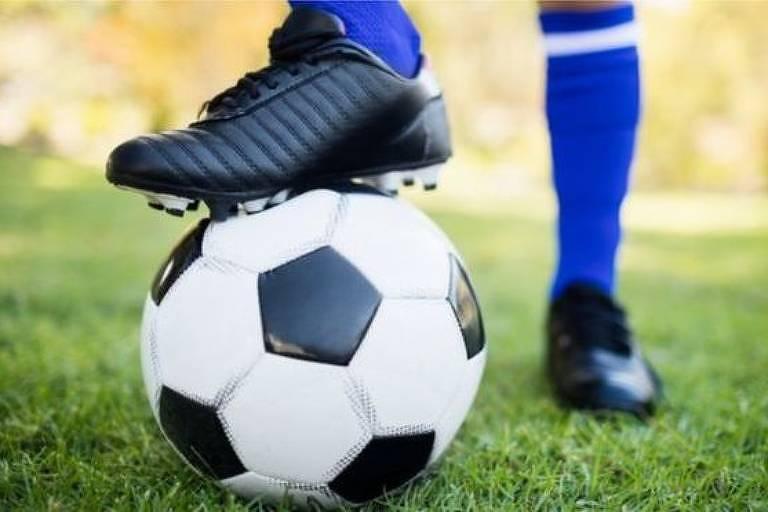 Habilidade incomum com os pés faz com que o cérebro dos jogadores de futebol seja diferente?