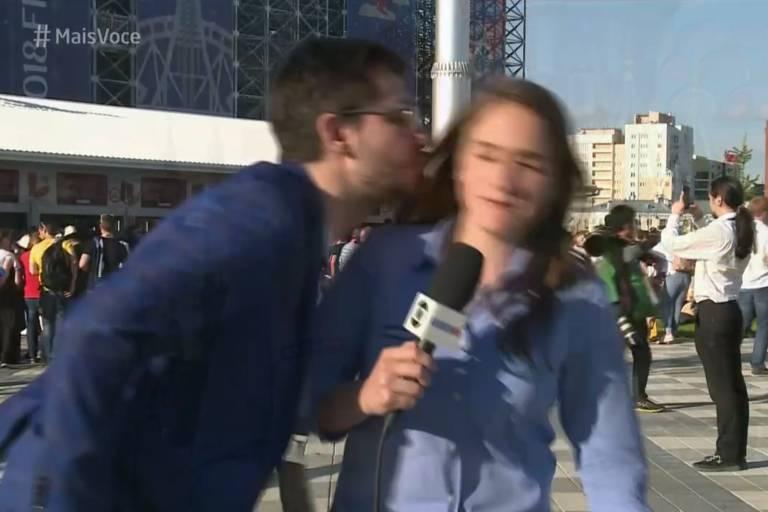 Júlia Guimarães é assediada por torcedor russo na Copa