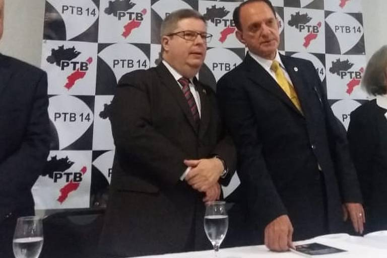 Antonio Anastasia (PSDB), em evento do PTB, recebe apoio à pré-candidatura ao governo de Minas do presidente do partido em Minas, Dilzon Melo