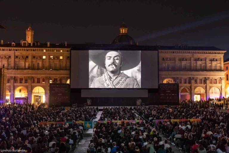 """Exibição de """"Enamorada"""", do mexicano Emilio Fernández, no festival Ritrovato, em Bolonha, Itália, na note de 23 de junho de 2018"""