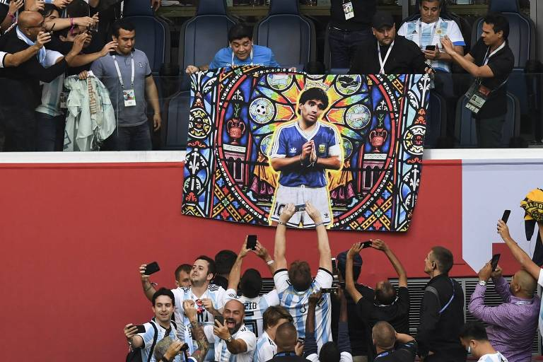 Maradona em 10 momentos no jogo Nigéria x Argentina