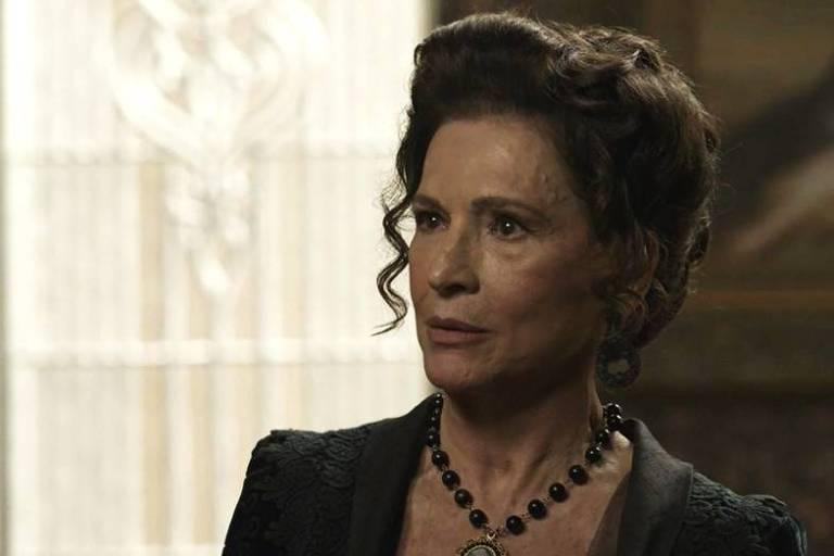 Lady Margareth se une a Susana em 'Orgulho e Paixão'