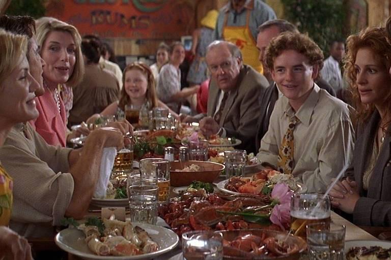 """Cena de """"O Casamento do Meu Melhor Amigo"""", com Julia Roberts e Cameron Diaz"""