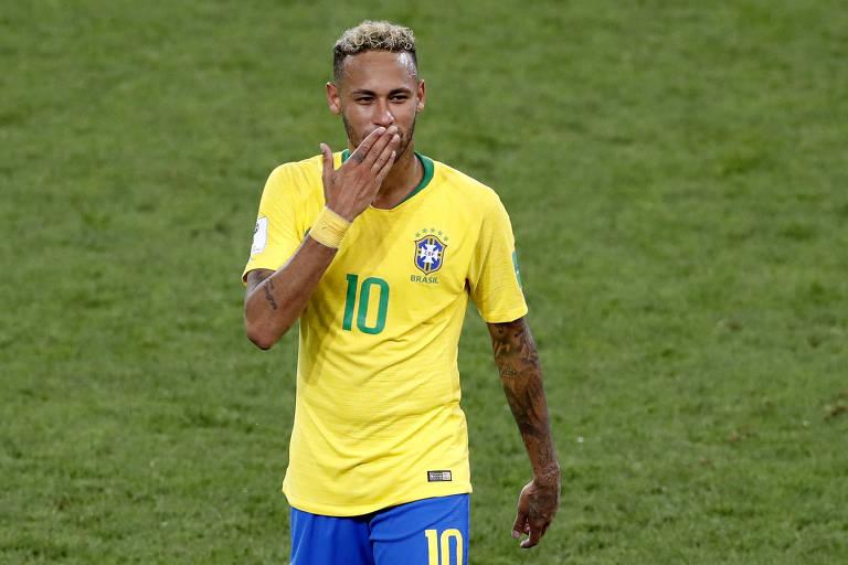 Neymar no jogo Sérvia x Brasil