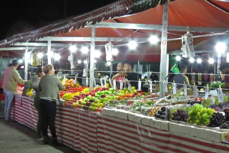 Feira noturna de Mairiporã