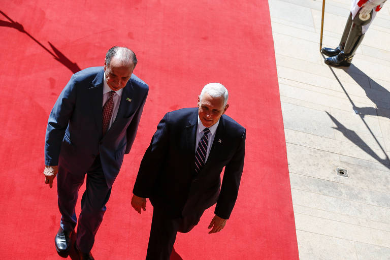 Aloysio Nunes (à esq.) recebe o vice-presidente americano, Mike Pence, no Itamaraty, em Brasília