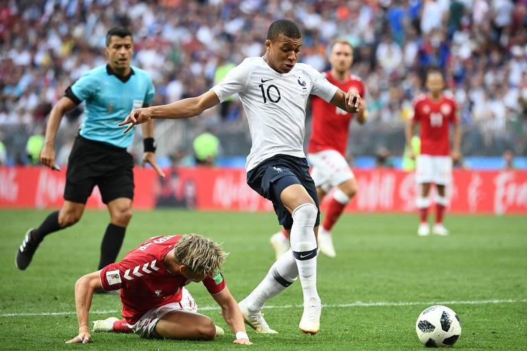 Mbappe em lance da partida entre França e Dinamarca - AFP.