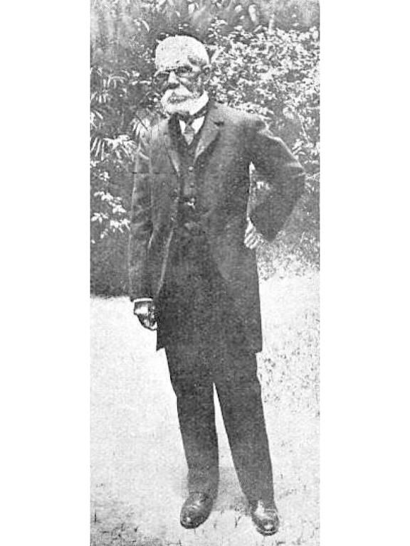 """Machado de Assis, em foto de 1908, na revista argentina """"Caras y Caretas"""""""