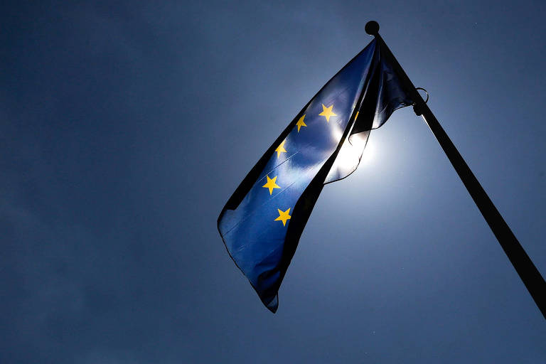 Bandeira da União Europeia em Bruxelas, na Bélgica