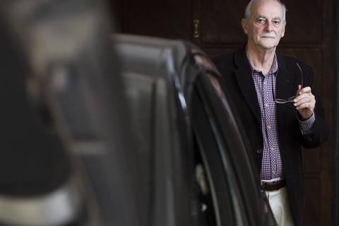SAO PAULO, SP, BRASIL, 25-06-2018: Carlos Azzolini, perito especializado em fraudes contra companhias de seguros e autor de um livro sobre o assunto, posa para foto. (Foto: Rafael Hupsel/Folhapress) *FSP- ESPECIAIS* EXCLUSIVO FOLHA***.