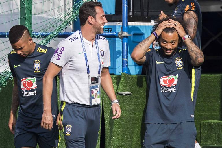 O lateral esquedo Marcelo participou da atividade da seleção brasileira neste sábado em Sochi