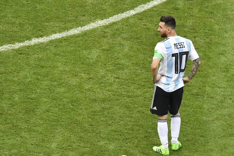 Messi lamenta após derrota da Argentina para a França nas oitavas