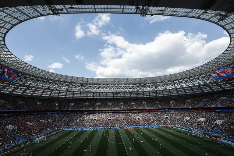 Vista geral do Estádio Lujniki, em Moscou, antes do jogo entre França e Dinamarca, pela fase de grupos da Copa do Mundo
