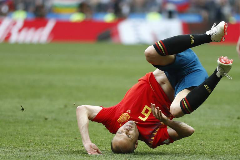 Iniesta anunciou sua aposentadoria da seleção espanhola após derrota para a Rússia na Copa