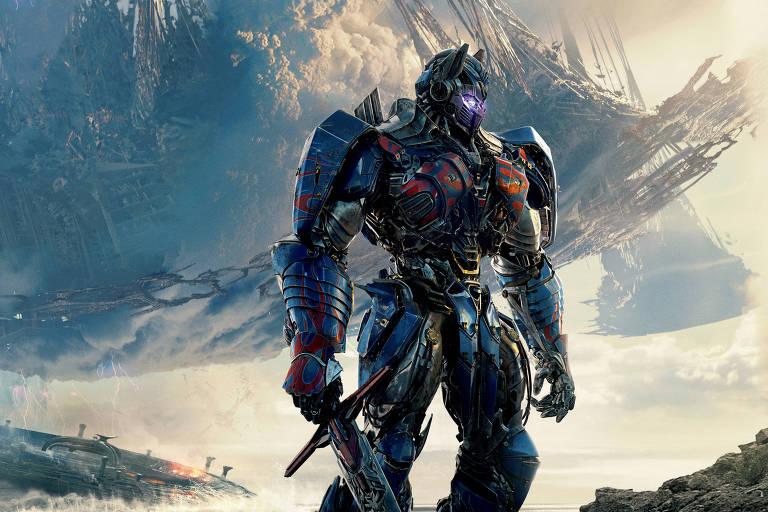 """Optimus Prime, robô líder dos Autobots, em cena de """"Transformers: O Último Cavaleiro"""""""