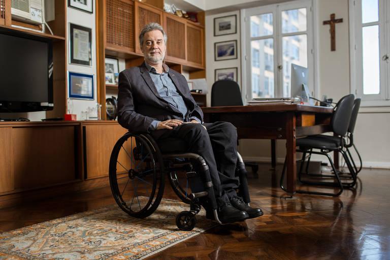 Tetraplégico é novo reitor na UFF