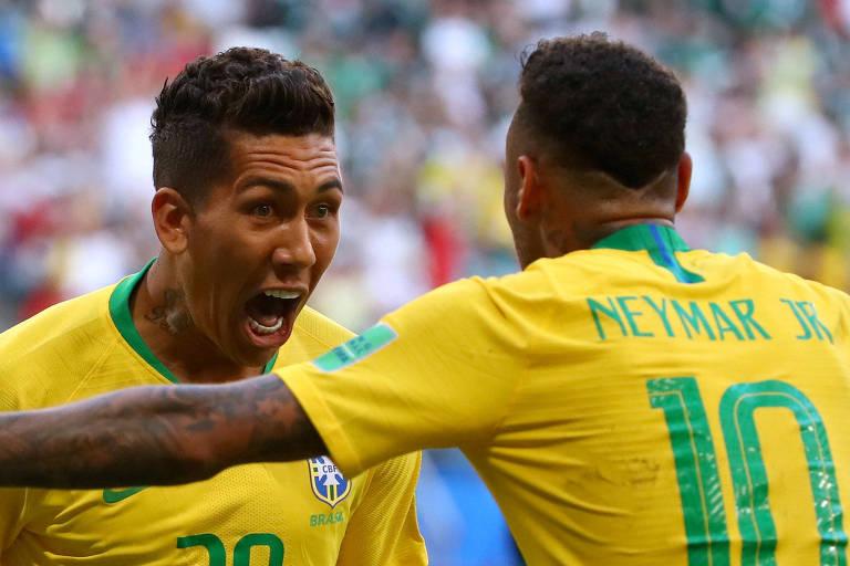 Firmino e Neymar comemoram segundo gol do Brasil em confronto contra o México