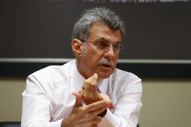 O senador e presidente do MDB (Movimento Democrático Brasileiro), Romero Jucá (RR), durante entrevista em seu gabinete, em Brasília