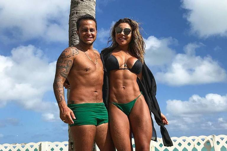 Thammy Miranda e a namorada aproveitam fim de ano em Maragogi