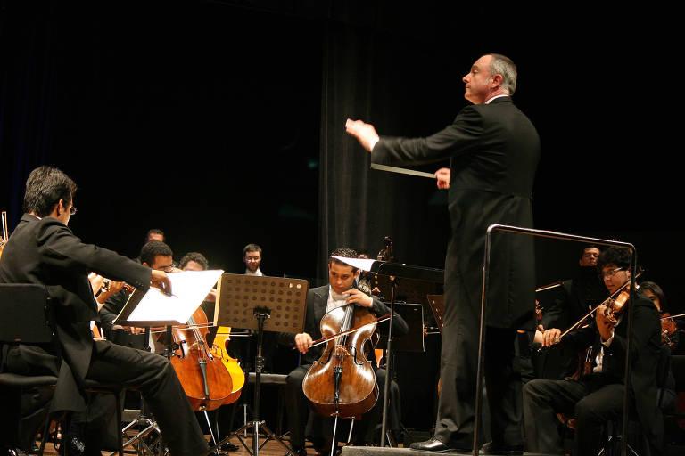 A Orquestra Filarmônica de Goiás se apresenta na Sala São Paulo sob a batuta de Neil Thomson