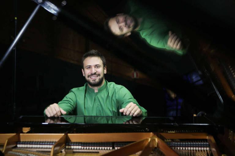 O pianista Cristian Budu se apresenta ao lado do violinista Winston Ramalho