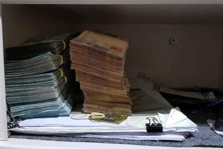 Na casa de Jonas Antunes Lima, assessor do deputado federal Nelson Marquezelli (PTB-SP), a Polícia Federal encontrou R$ 95 mil