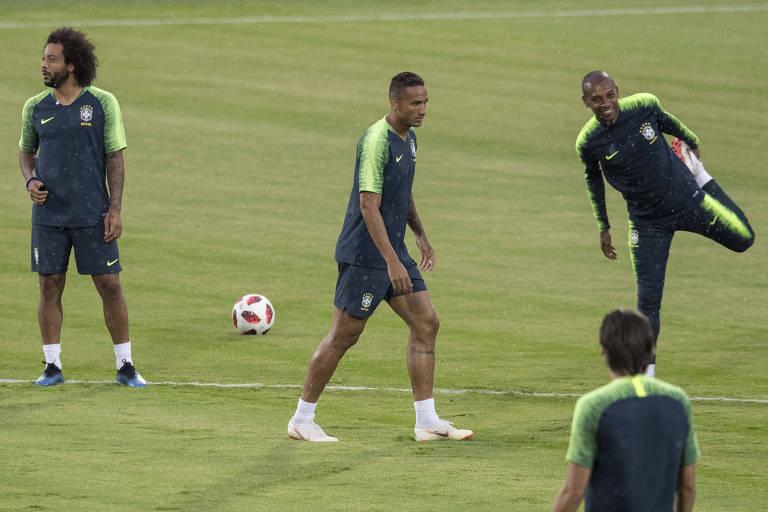 Danilo se lesionou durante treino em Kazan nesta quinta-feira (5)