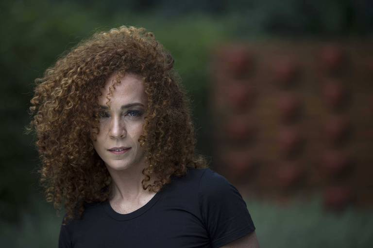 A atriz e cantora Laila Garin