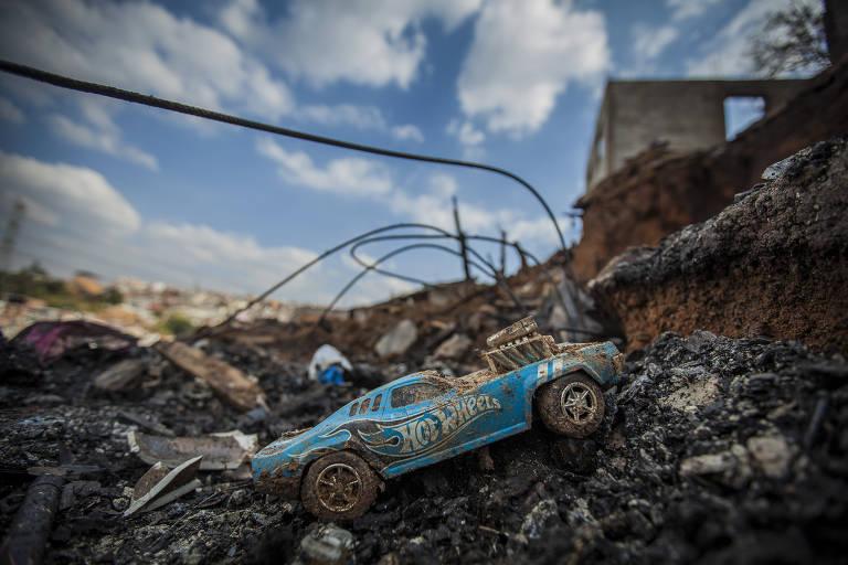 Incêndio mata quatro da mesma família em SP