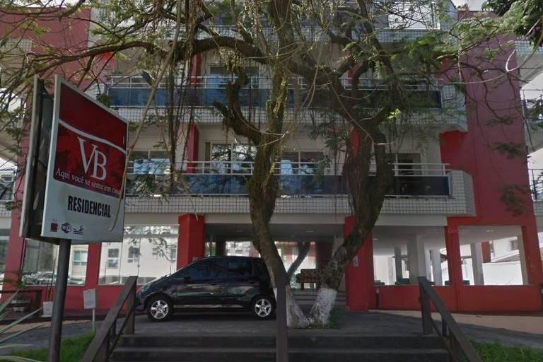 Apart-hotel onde família foi assassinada em Canasvieiras, Florianópolis