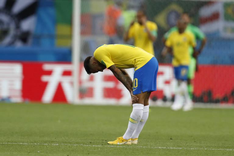 Neymar reage ao segundo gol da Bélgica na partida contra o Brasil nas quartas