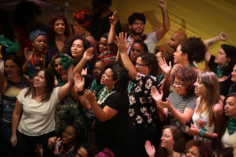 Mulheres candidatas participam do lançamento do movimento #OcupaPolítica no Teatro Oficina
