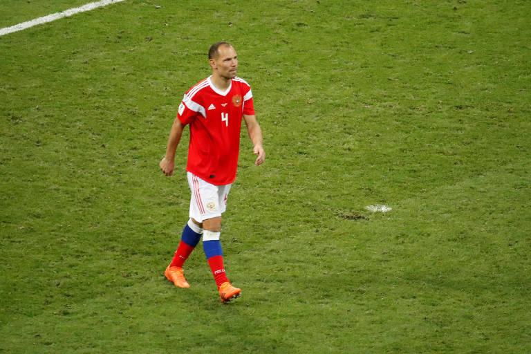 Serguei Ignashevich durante partida contra a Croácia no estádio Olímpico Fisht, em Sochi